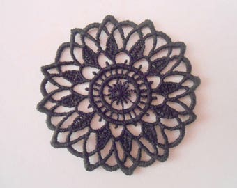 Rosette in guipure of black colour for your creations
