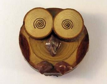 OWL magnet in chestnut (ref.43 - 12)