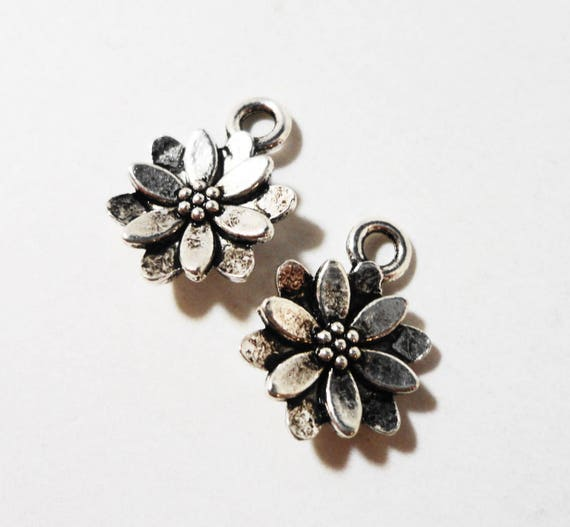 50pcs Silver Flower Charms 13x10mm Antique Silver Flower Pendants, Floral Charms, Daisy Charms, Bulk Metal Charms, Wholesale Metal Charms