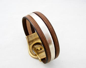 Bracelet brown leather and gold silver magnetic clasp