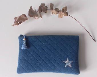 Pochette molletonnée en tissu matelassé bleu et étoile en Liberty Small Susanna