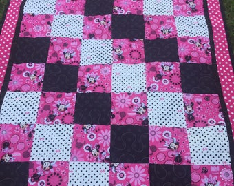 Minnie Mouse Crib Quilt