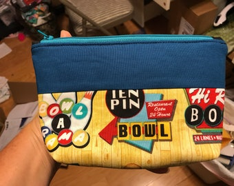 Bowling accessory pouch