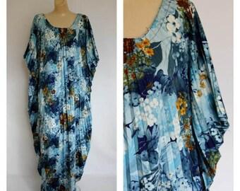 Sale Vintage 1970's Bohemian Caftan / 70s Maxi Dress / Vtg 70s Floral Lounger /  Vintage Maxi Caftan / Pleated Floral Caftan One Size