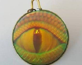 Hologram necklace etsy unisex vintage one way 3 d hologram snakelizard eye pendant with added mozeypictures Image collections
