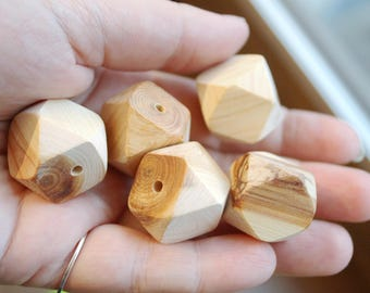Juniper polyhedron beads - set of 5 pcs - 20 mm - eco-friendly beads