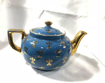 Hall Teapot Blue Gold Gilded Handle Trim Fleur-De-Lis Pattern 6 Cups Vintage Ceramic 0661