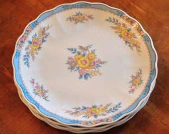 "Mikasa ""Hospitality"" A8201- Set of Three Dinner Plates"