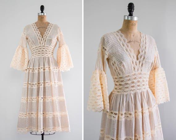 vintage 1950s bell sleeve dress | peach blush lace dress | 50s mexican wedding dress
