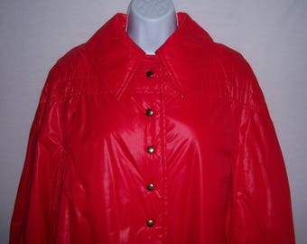 Vintage Queen of the Capes Country Place Bright Red Puffy Quilted Cape O/S Medium Large Extra Large