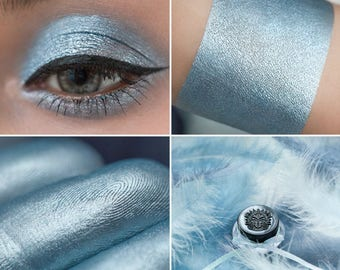 Eyeshadow: Cooing with Doves - MoonElf. Azure-blue satin eyeshadow by SIGIL inspired.