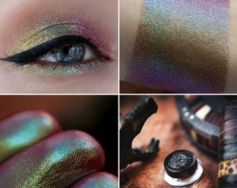 Eyeshadow: Chimera - Nomad. Rainbow prismatic eyeshadow by SIGIL inspired.