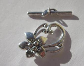 metal (14) flower - shaped Toogle clasp
