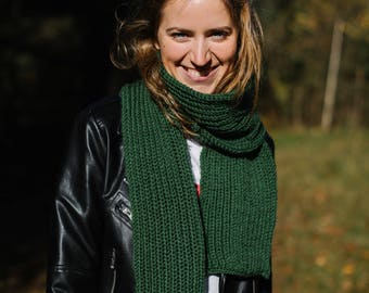 Scarf, Knitted scarf, Chunky knit scarf, Gift, Green scarf, Long scarf, Cosy scarf, Warm scarf, Winter scarf, Handmade scarf, Merino wool