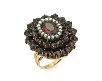 17302 - Vintge Garnet & Seed Pearls 14k Yellow Gold Cluster Ring