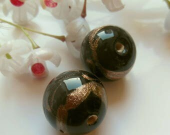 set of 2 ceramic round beads