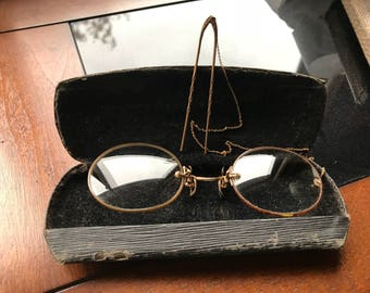 Antique pince nez with chain