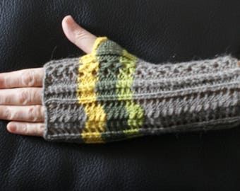 Fingerless gloves women, mid-length, 80% Alpaca - 20% Merino Wool, taupe/Green