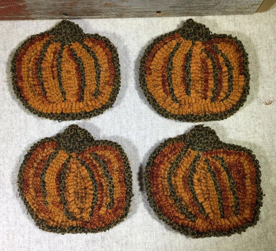 """Rug Hooking Pattern , 4 Pumpkin Mug Rugs 5"""" x 5.5"""", P154"""