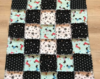 Dachshund flannel lap quilt, Fleece dachshund lap quilt, Flannel lap blanket, Black & White Polka Dots, Flannel fabric;10% of PP to charity