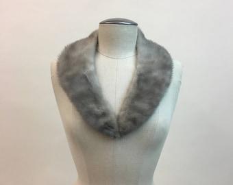 Vintage 1960s Mink Collar / 60s silvery Gray Grey Hombre Fur Collar