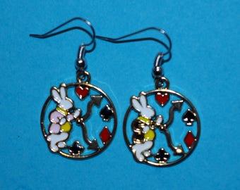 themed Alice the Wonderland earrings
