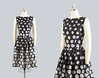 Vintage 1950s Dress | 50s Rose Floral Print Cotton Sundress Black White Border Print Full Skirt Day Dress (small)