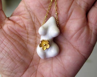 Classic White n Golden Flower Venus Goddess Necklace