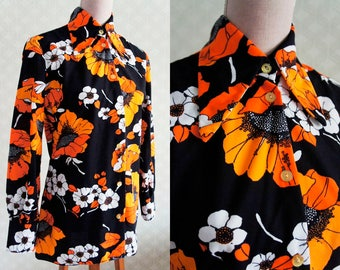 70s Colorful Flower Power Vintage Blouse. Twiggy style. Made in Britain.