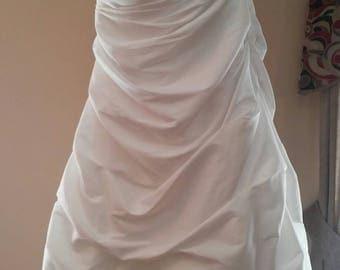 Wedding Dress Size 16w, David's Bridal 9T9642