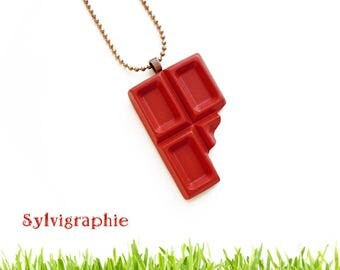 Resin pendant chocolate crunched milk