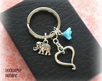 Valentine's gift for her - Little elephant and forget-me-not keyring - Heart keychain - Romantic gift - Elephant keychain - Heart keyring