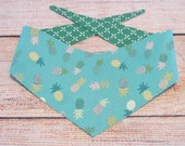 S-Md reversible tie on dog bandana - turquois pineapples/green and white pattern