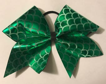 Green Scalloped Cheer Bow