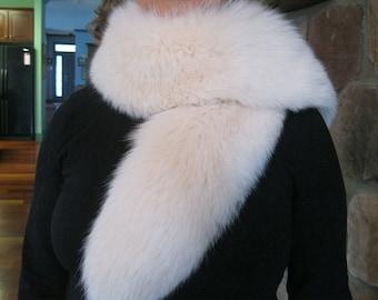 Beautiful Vintage Fluffy Ivory Fox Fur Scarf Collar Shawl