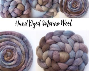 FORGET ME - Hand dyed beautiful Merino wool tops/roving - 100 grams