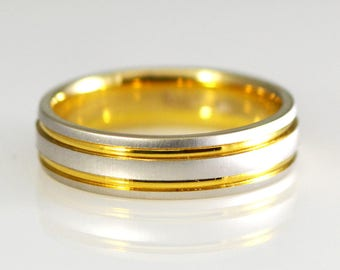 18k Yellow and White Gold Two Tone Wedding Band Size 11