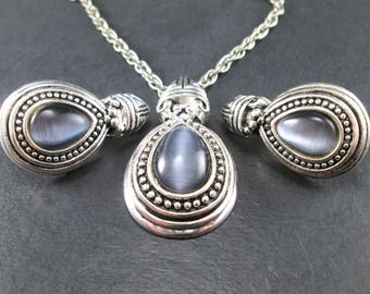 Vintage 60s Silver Tn & Blue - Gray Cabochon Teardrop Jewelry Set Pendant Chain Necklace and Earrings