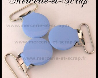 2 clips attached round 25mm light blue