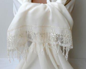 Summer Bridal shawl in cream Wedding shawls cream Pashmina shawl Cream French Lace Dainty Lightweight Soft Cream Bridesmaid Shawl Gifts