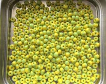 "pretty little Pearl ""Miyuki"" micro-yellow-green ball"