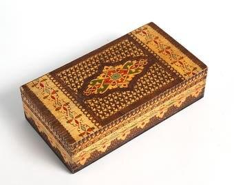 Vintage handmade wooden box case, vintage jewelry box, handmade jewelry box, Vintage wooden pyrography box case, retro jewelry box