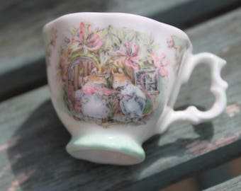 Brambly Hedge Summer Miniature Cup. Royal Doulton Fine Bone China Collectable.