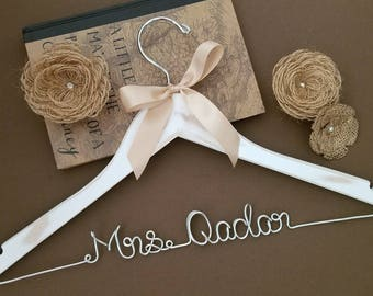 Rustic Hanger / Wedding Hanger / Custom Hanger / Bridesmaid Gift / Bridal Shower Gift / just because gift