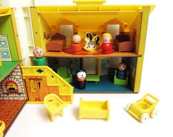 Fisher Price Yellow Little People Play Family House #952