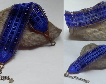 Navy and bronze seed beads woven bracelet