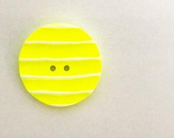 Jim Button Resinknopf Neon Yellow