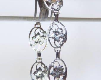 Vintage Sterling Silver Bracelet With Open Work Flower Design