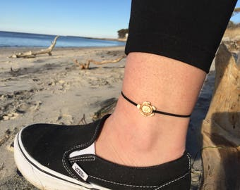 Turtle anklet with magnetic clasp