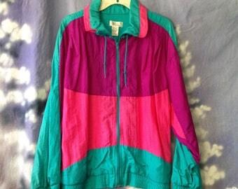V074 Vintage Bocoo windbreaker size L , pink, purple and blue zipper front